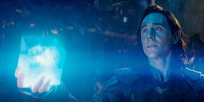 Локи отдает Тессеракт Таносу